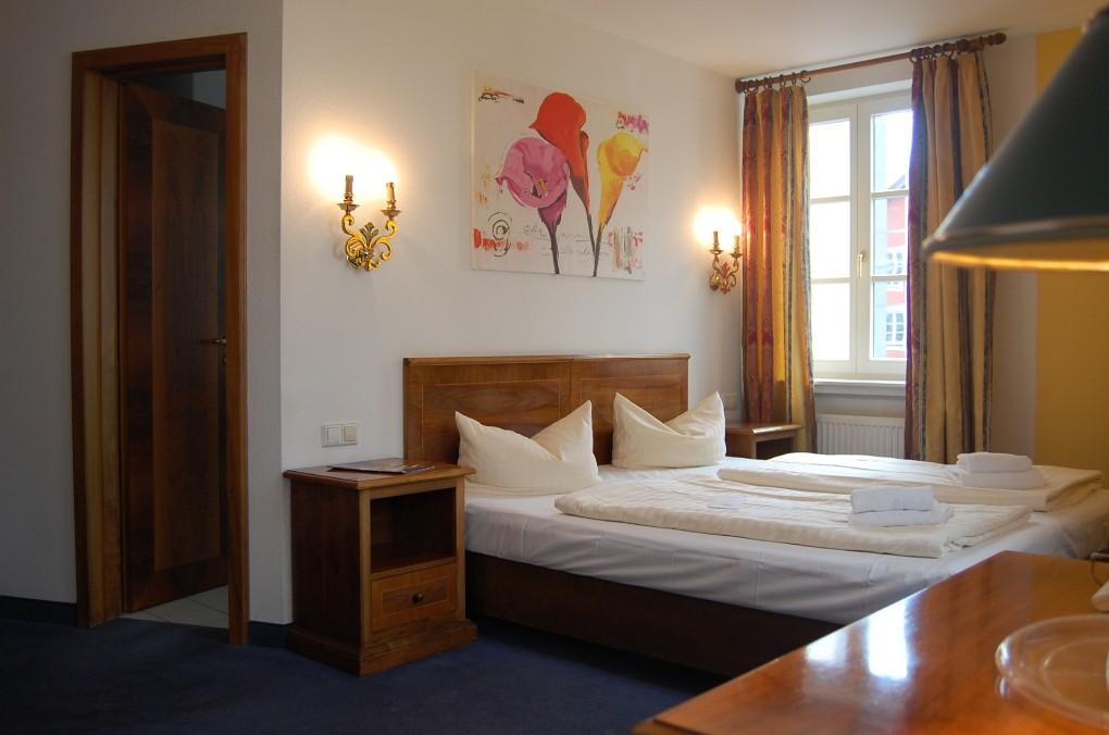 Double Room mit Extra Bed und Frühstücksbuffet